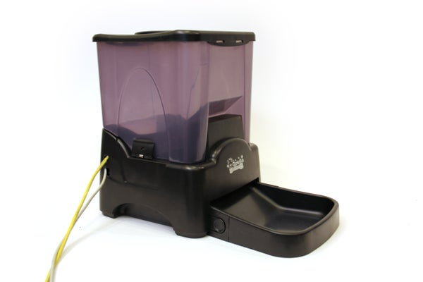 Twitter Controlled Pet Feeder