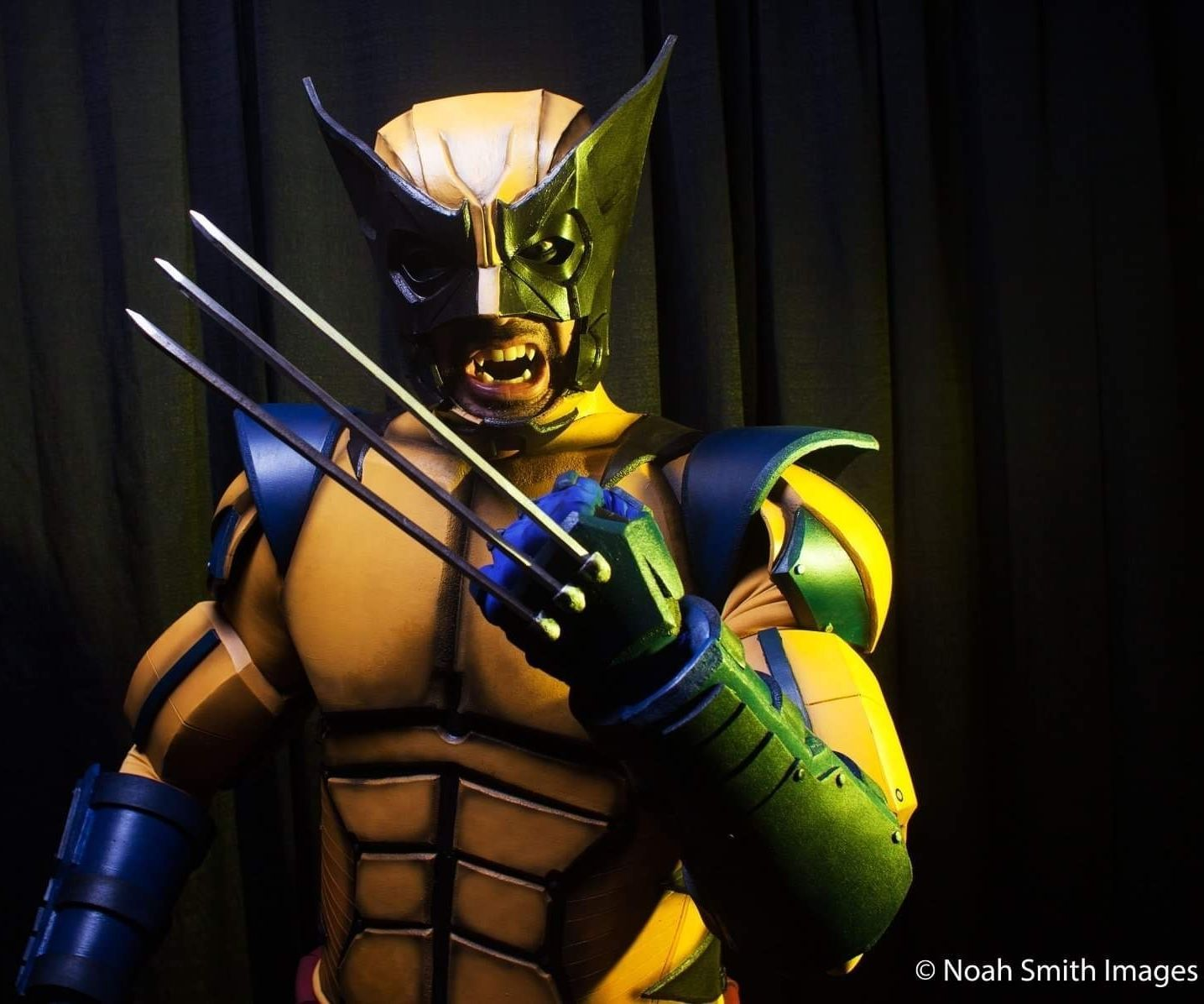 """How to Make an X-Men """"Wolverine"""" Costume"""