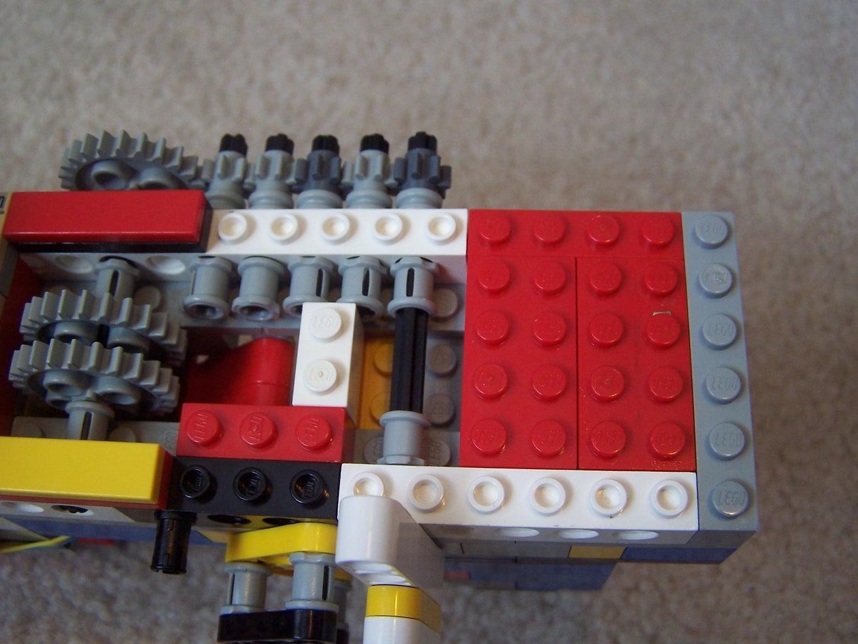 The Rear Cover/Stock Attachment Area/Rear Sight