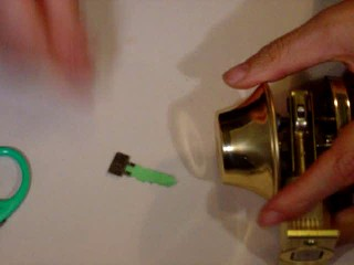 DIY - how to make a spare key from soda bottle