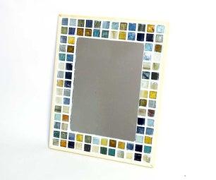 How to Make a Cute Mosaic Tile Mirror Frame.
