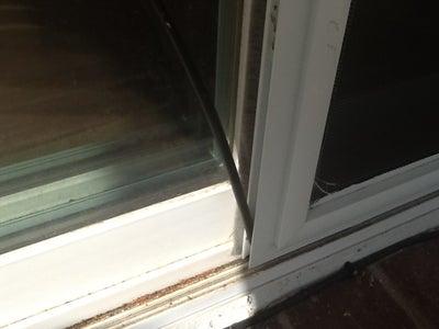 1-Minute Patio Screen Door Closer and Cat Frustrater
