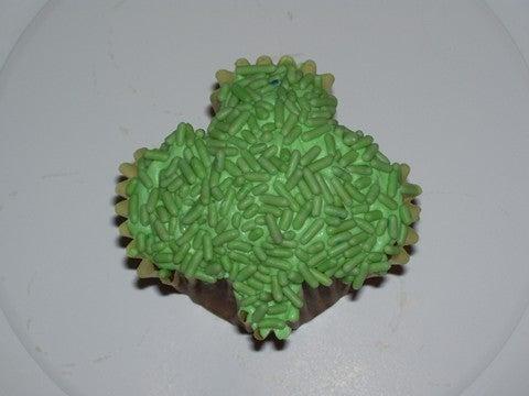 Make Shamrock Cupcakes From Standard Pans
