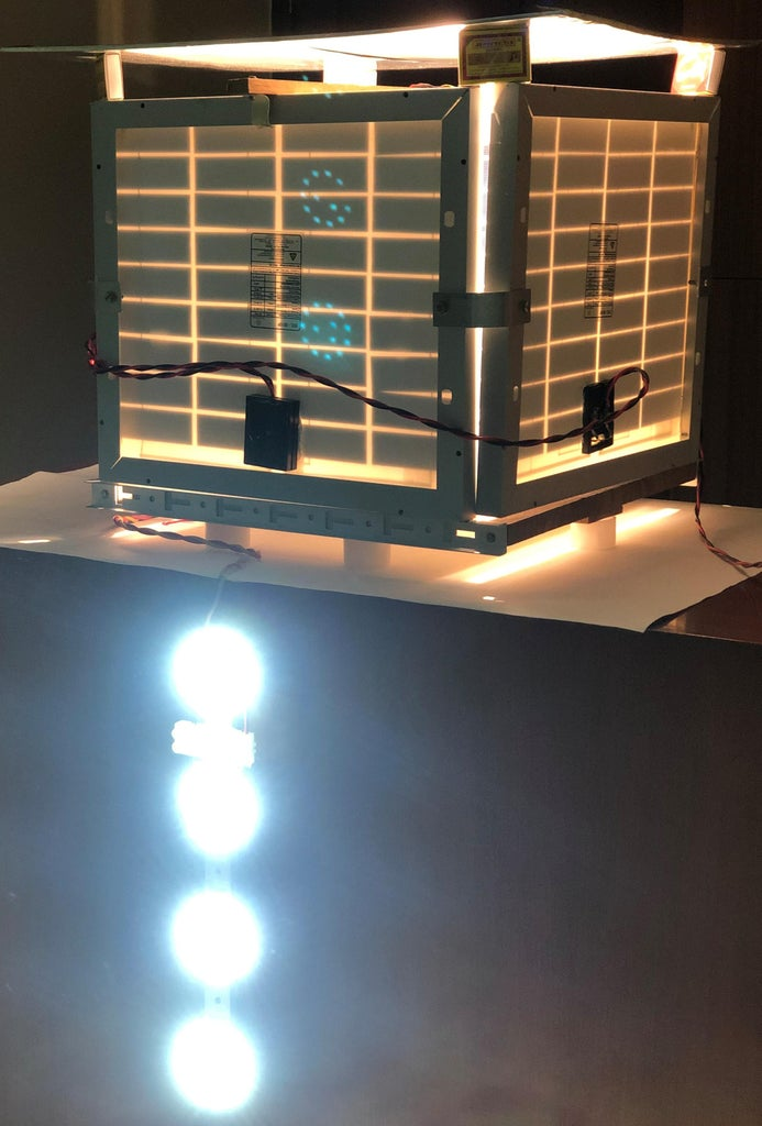 Compact Sunlight Simulator for Photovoltaic Panels
