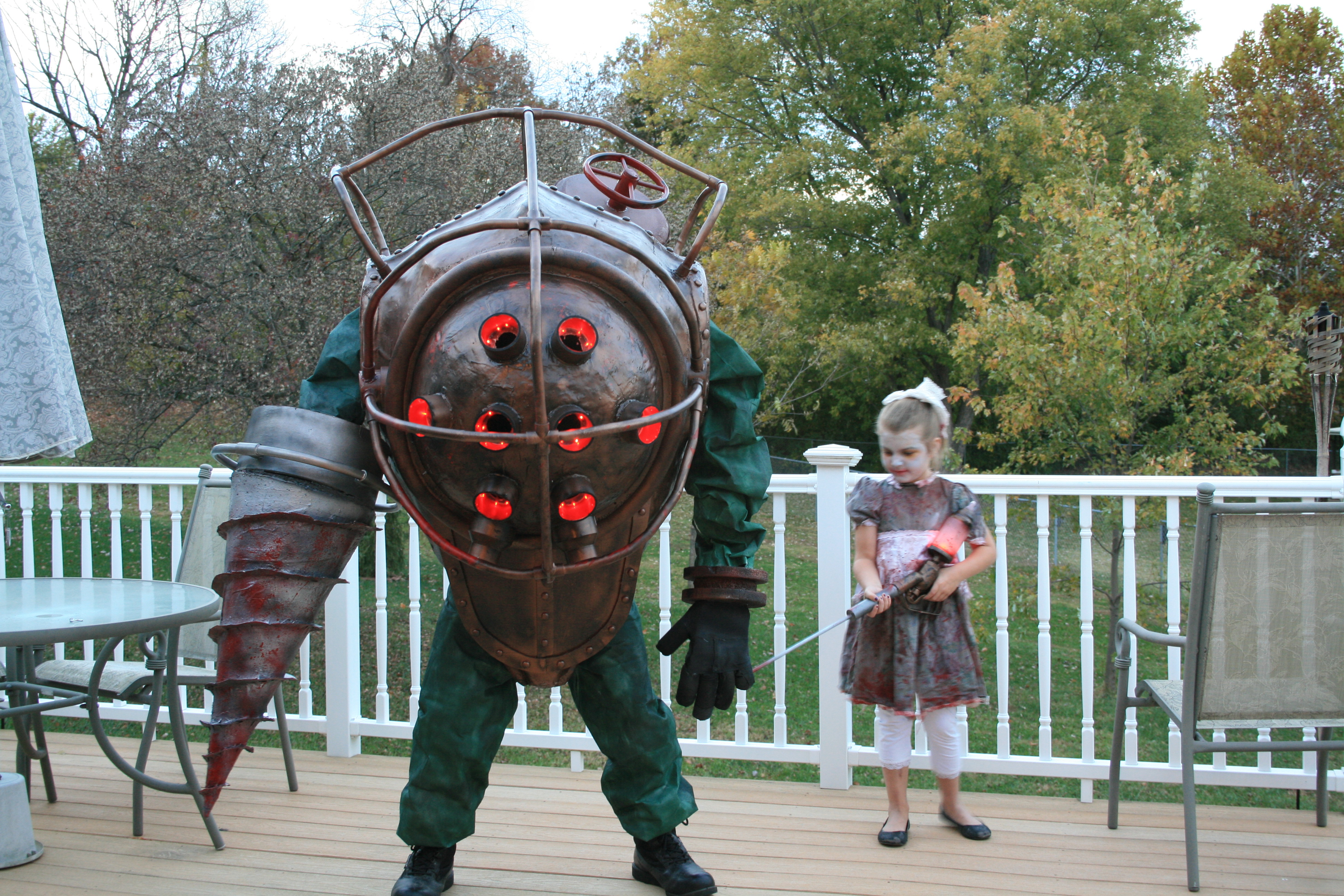 Bioshock..Big Daddy, Little Sister and Splicer