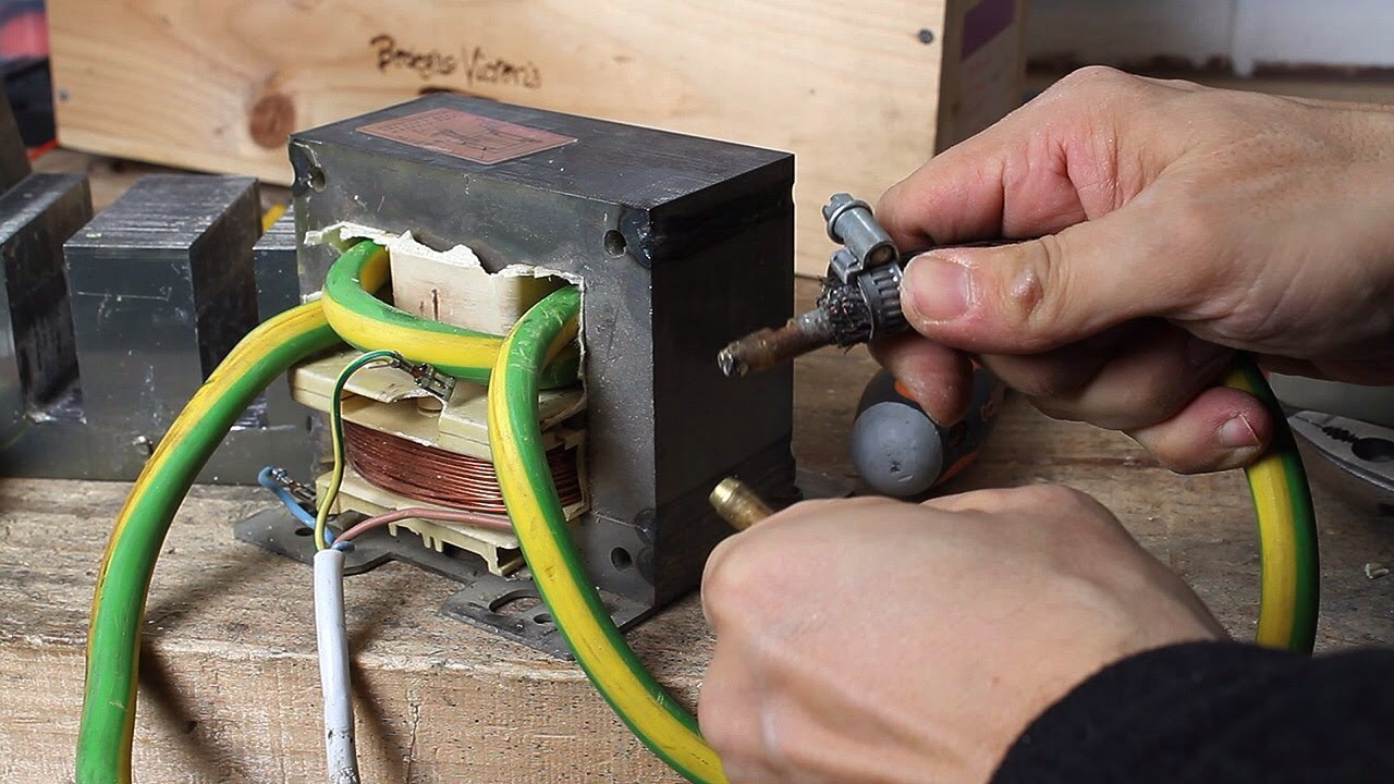How To Build A Simple ARC Welder.