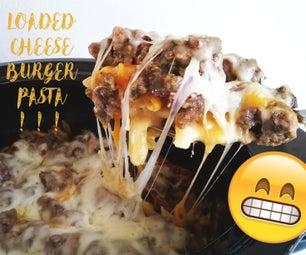 在Crockpot装载的乳酪汉堡意大利面