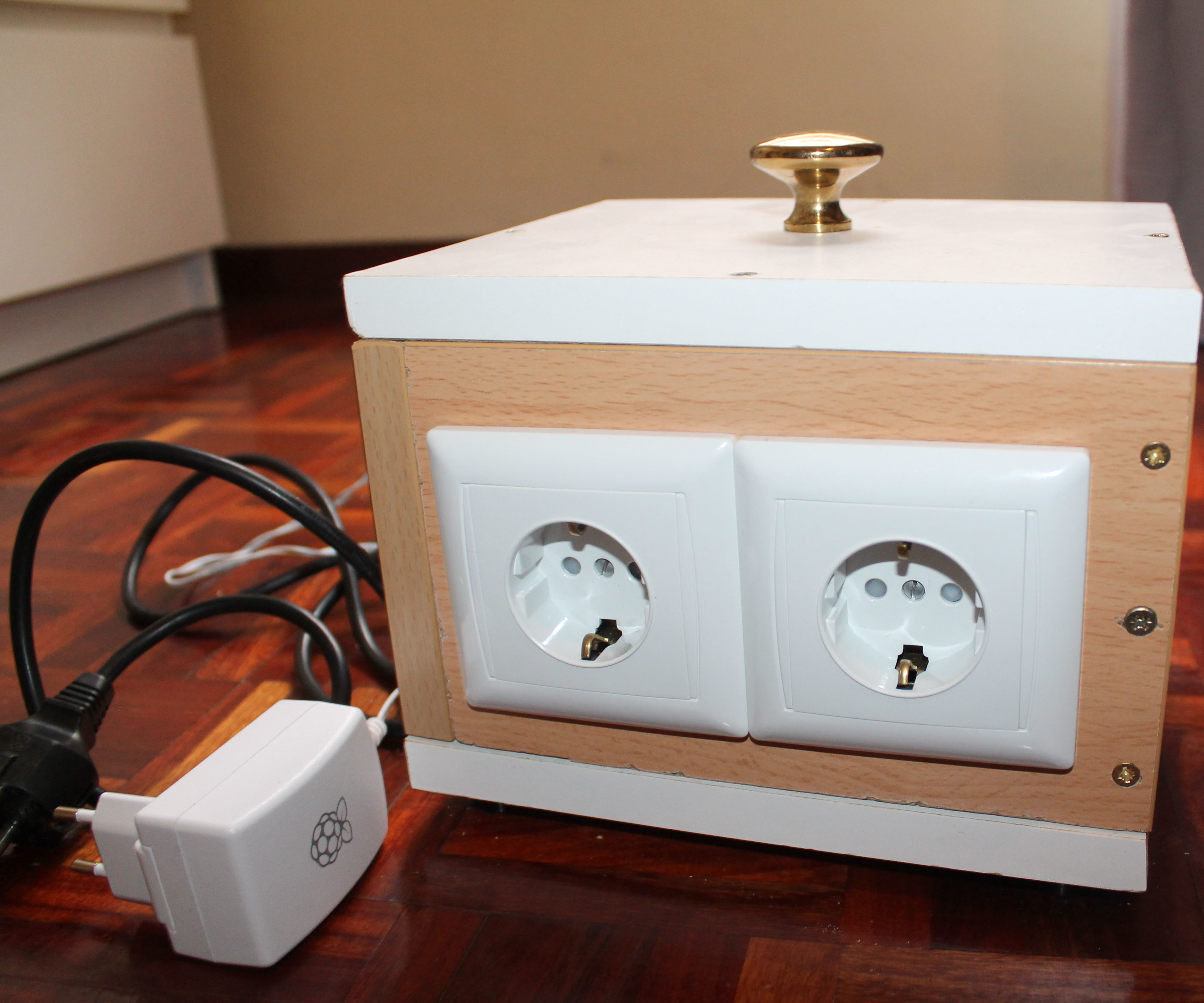 Pi Outlet Relay Control using Cayenne