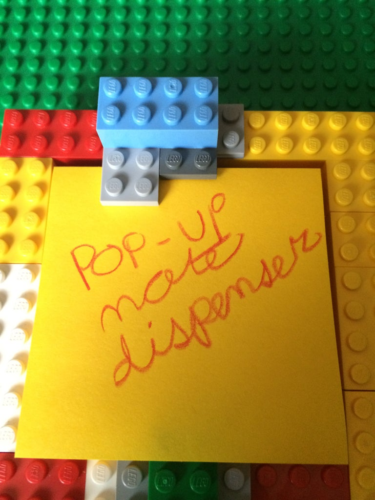 LEGO Pop-Up Note Dispenser!