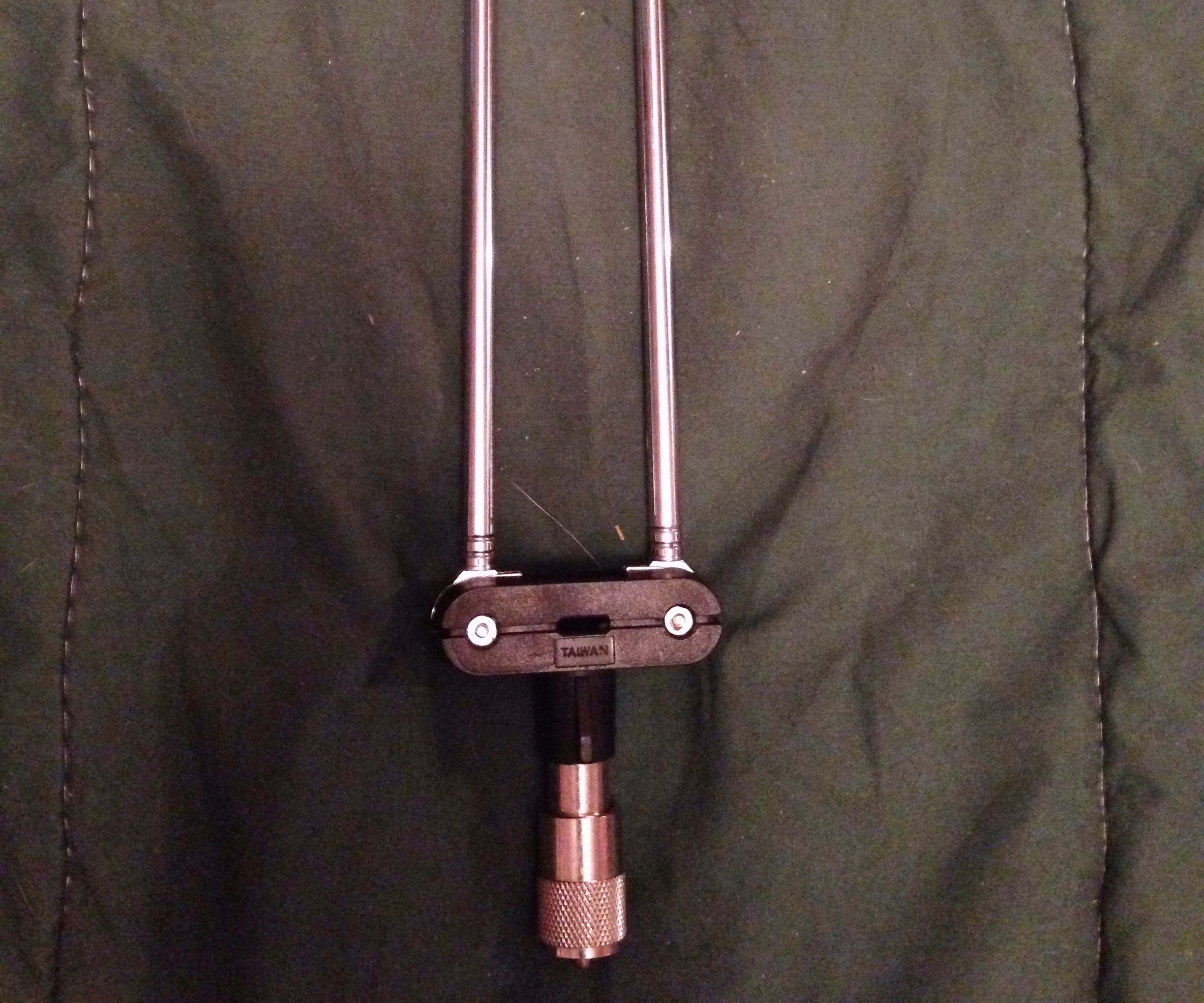 Simple Dipole With A Balun Attached