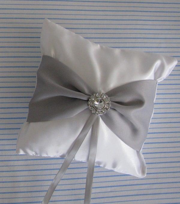 Elegant Ring Pillow