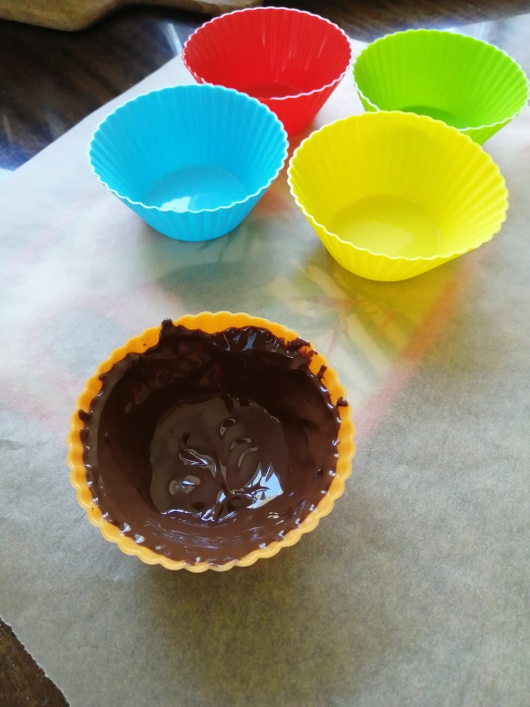 Apply Chocolate to the Liners