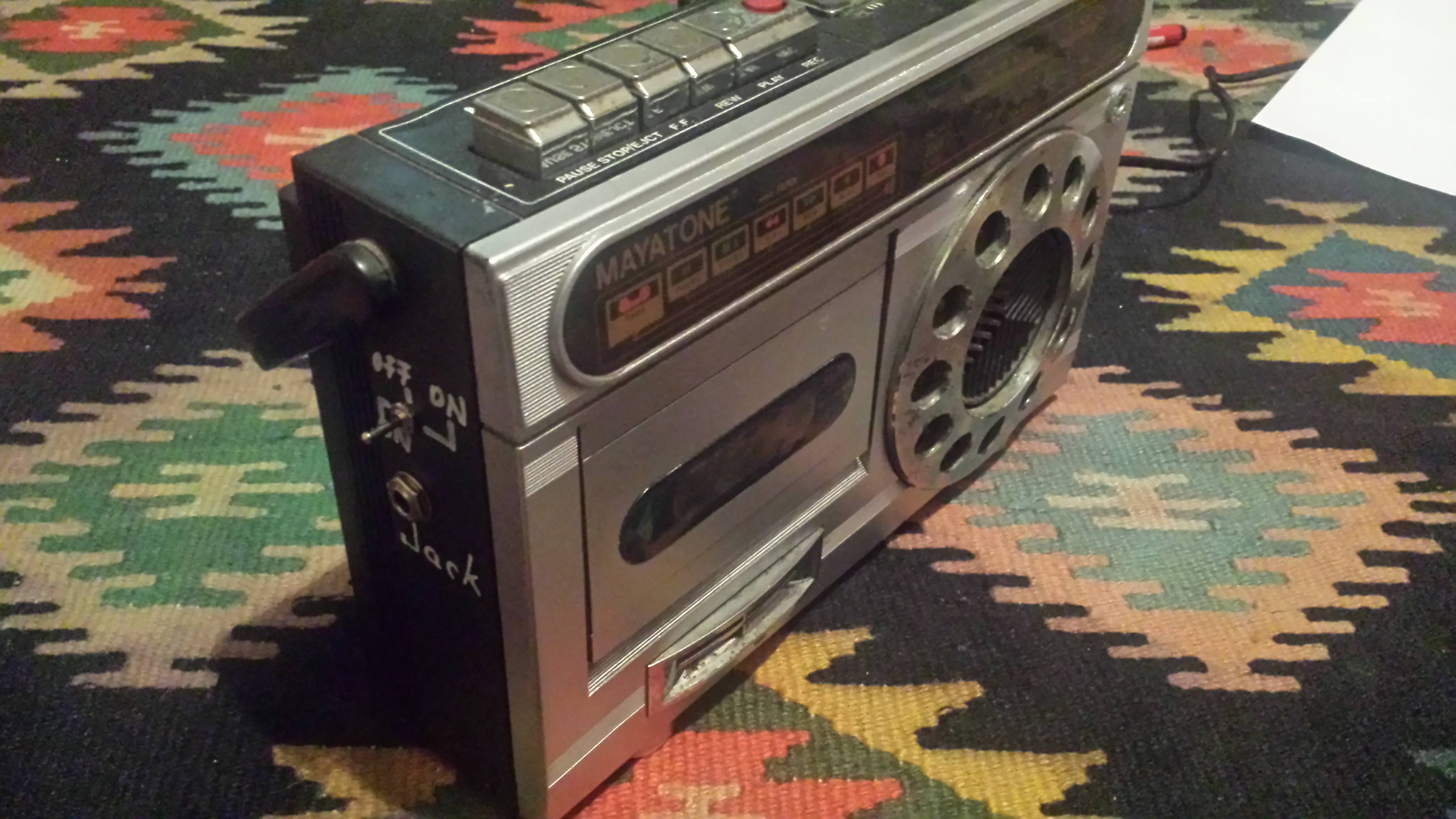 Hack Any Tape Player Into a Guitar Amp