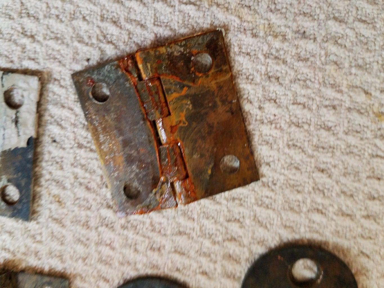 How to Clean Old Metal Fixtures