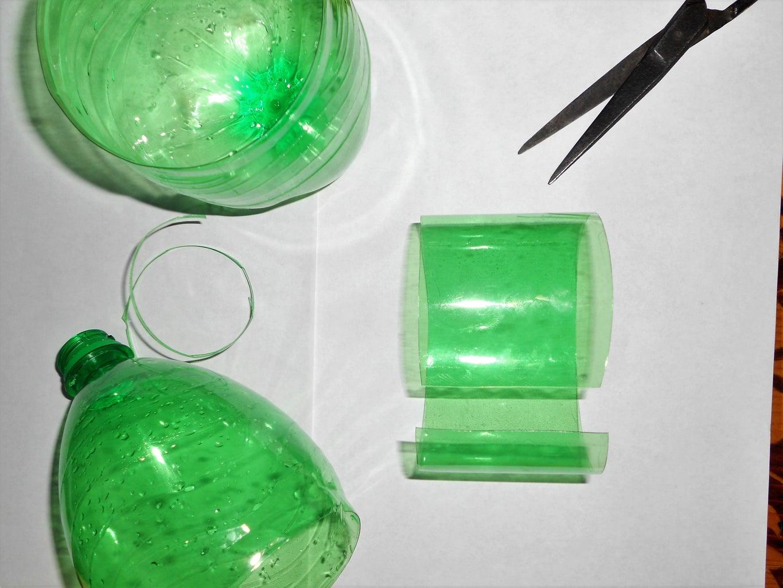 Cutting Plastic Bottles