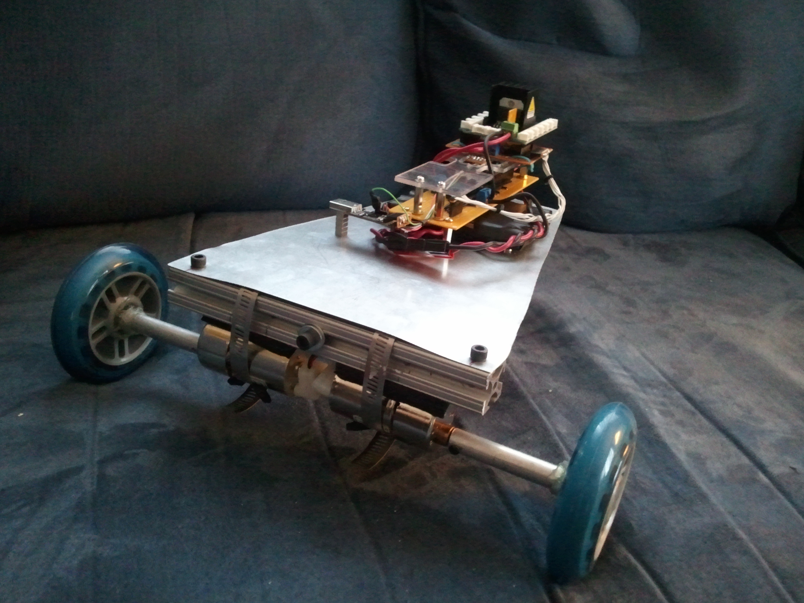 CARduino - Arduino-Powered, LabVIEW-Controlled Vehicle