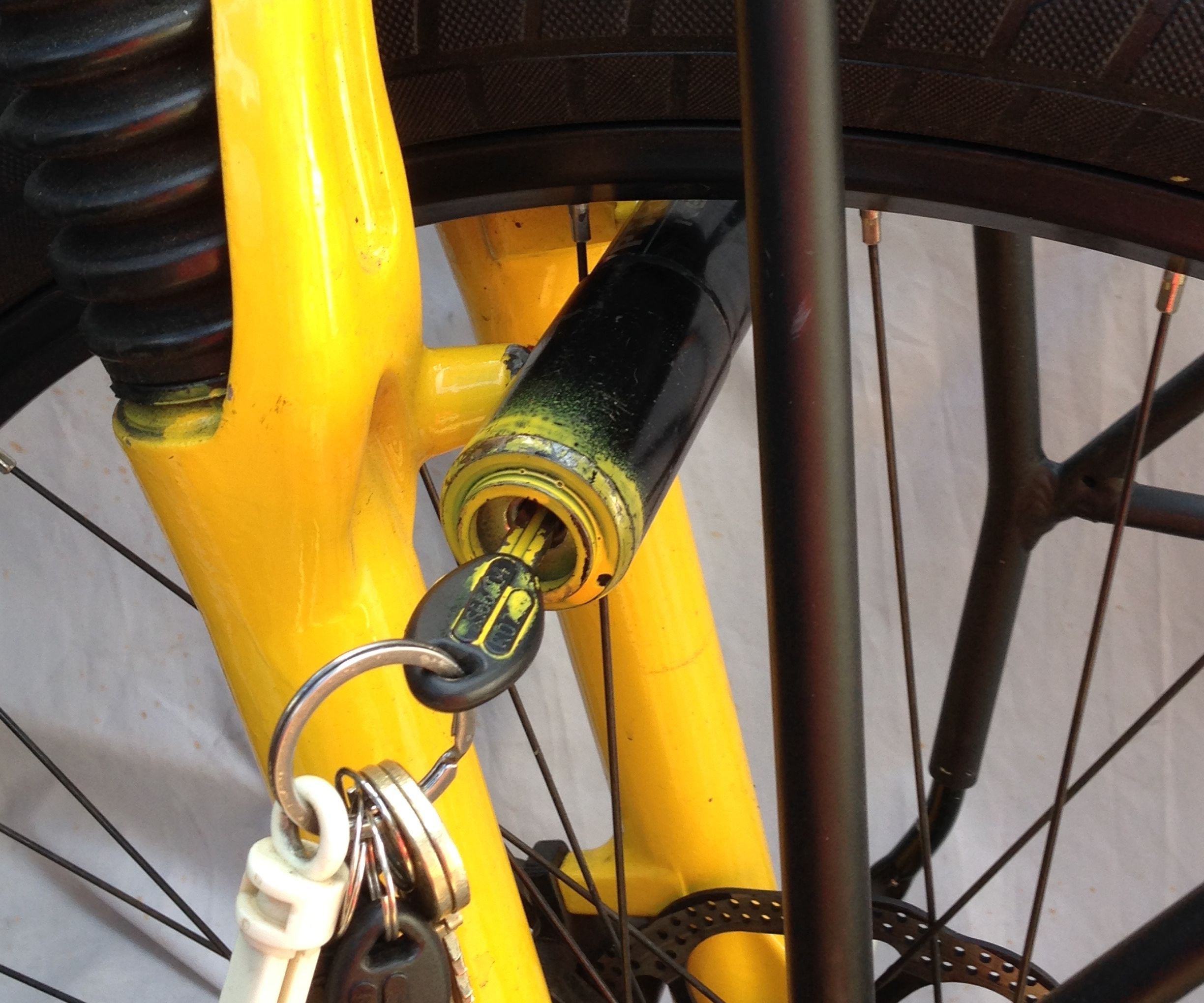 Front wheel kryptonite bike lock hack