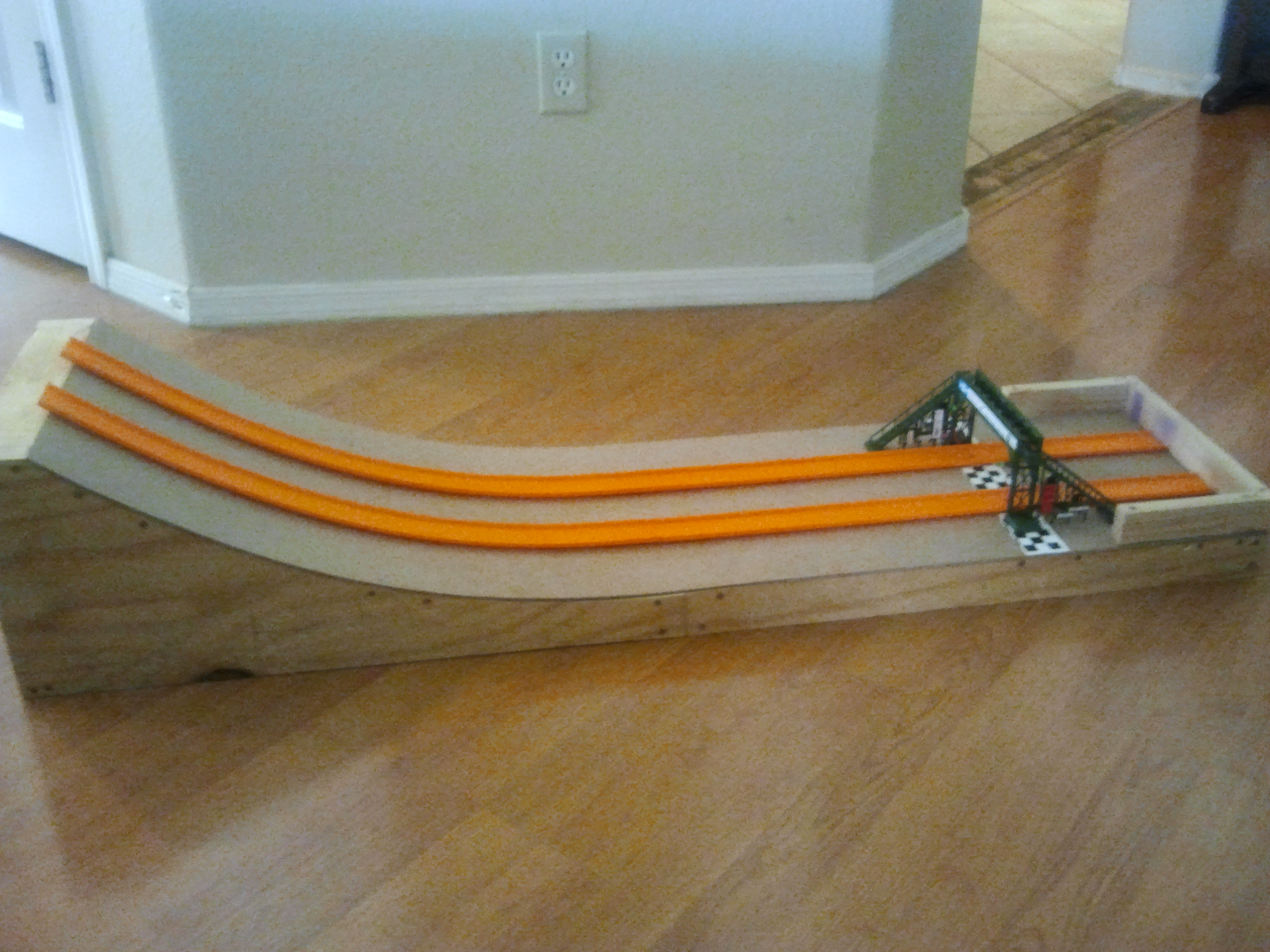 Hot Wheels Race Track with Electronic Finish Line