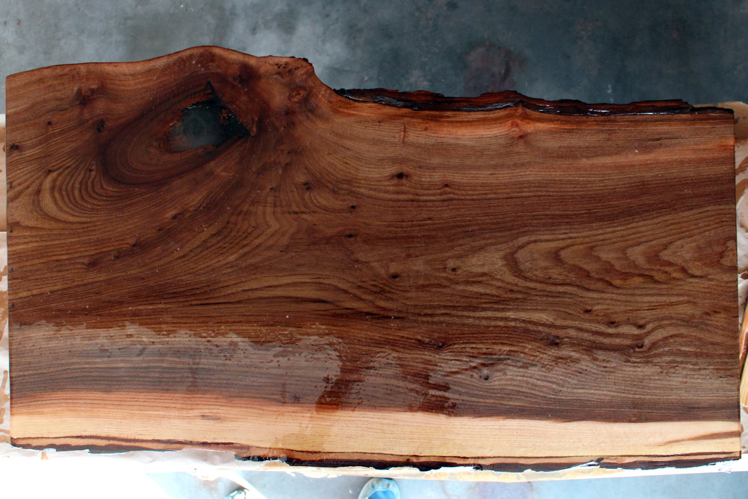 Pour Resin for Table Top