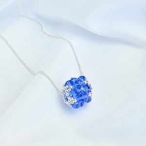 Beebeecraft Ideas on Making Crystal Pendant With Glass Beads