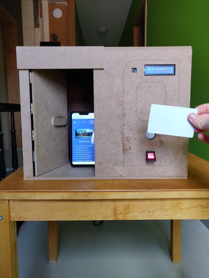 SafetyLock: a Smart Lock Made With Raspberry Pi (Fingerprint and RFID)