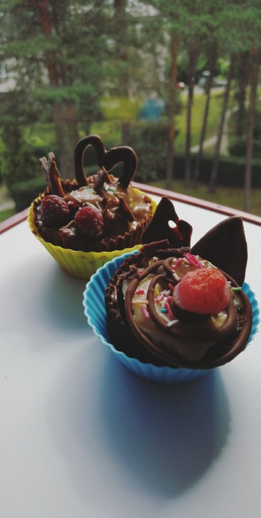 Chocolate Cups With Nice-cream