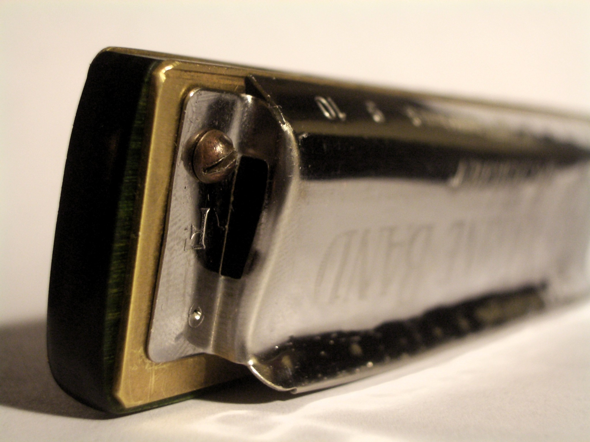 Tips for getting the most out of your half-valved diatonic harmonica