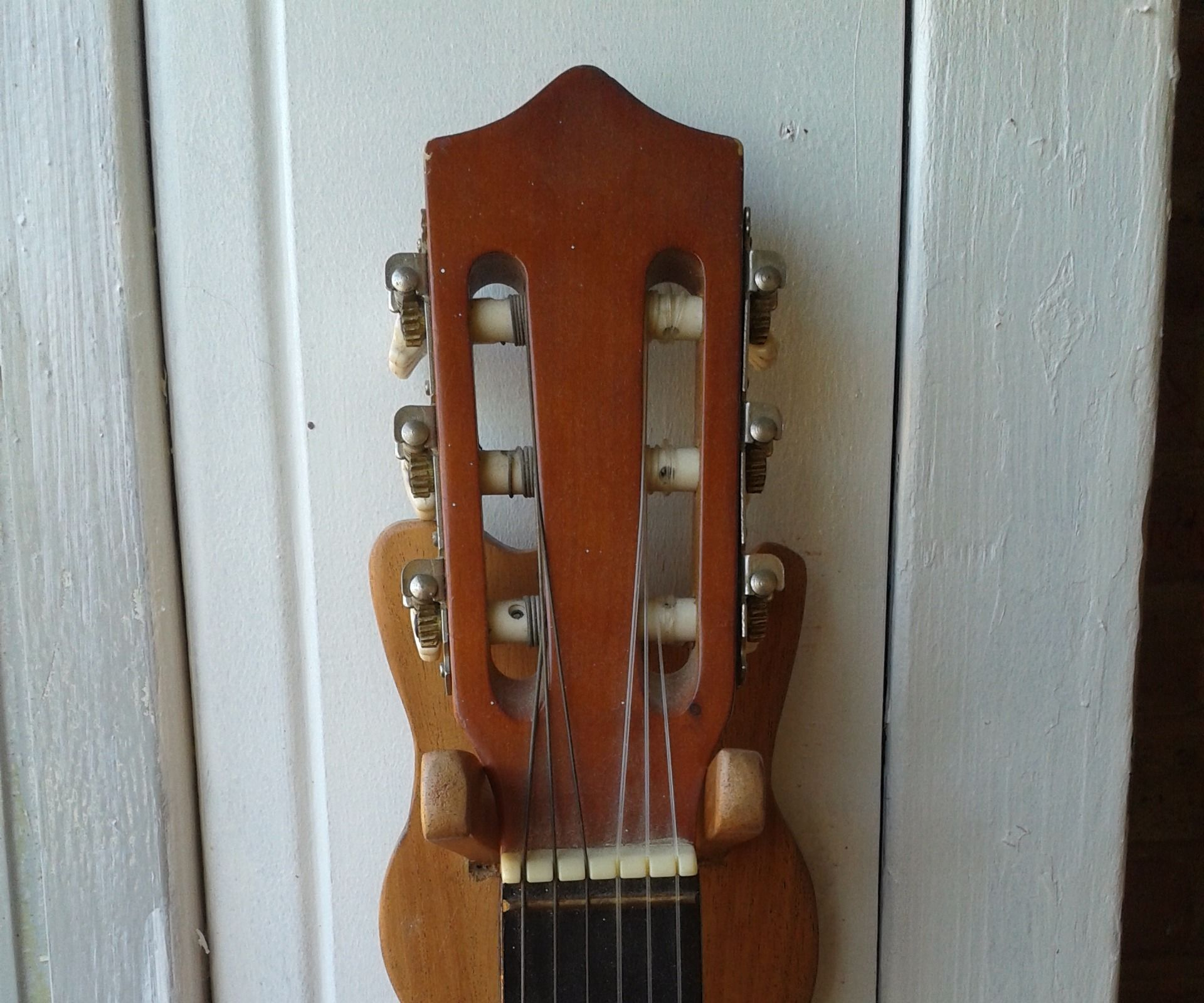 DIY - Guitar Wall Hanger - Wood Work
