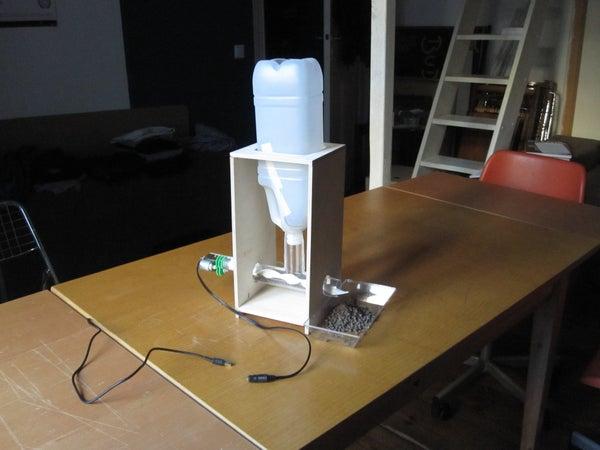 DIY Automatic Fish Feeder for Aquaponics