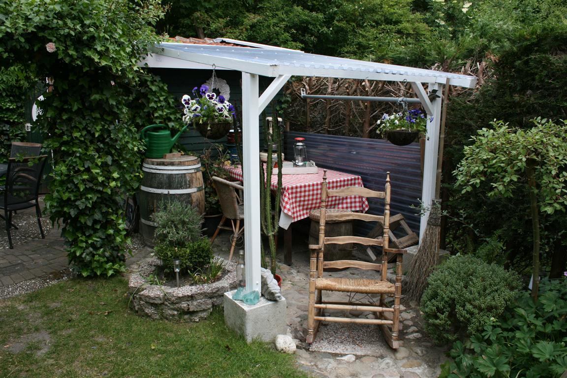 My Dutch, cheap, recycled garden.