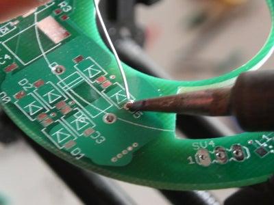 Instalando Componentes a La Cara De Una Placa De Circuito