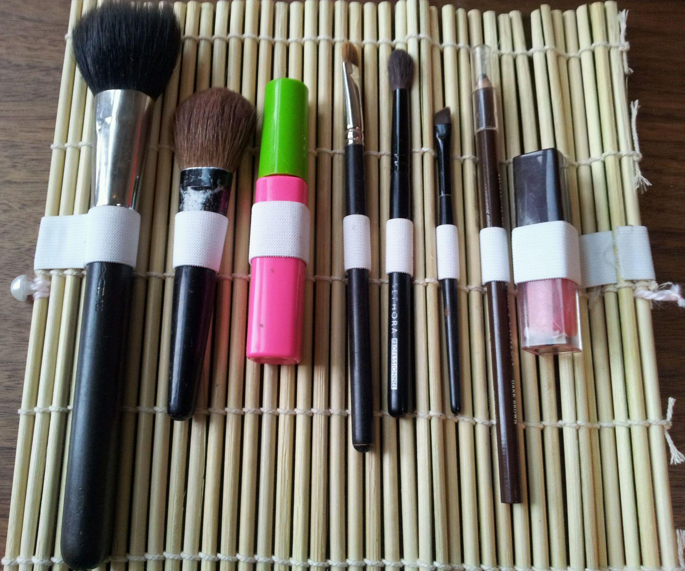 Sushi Mat Makeup Holder