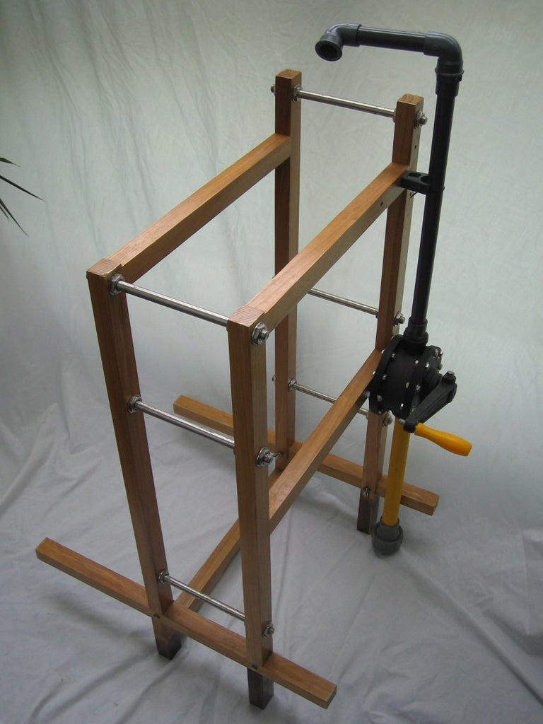 Put the Frame and Pump Together