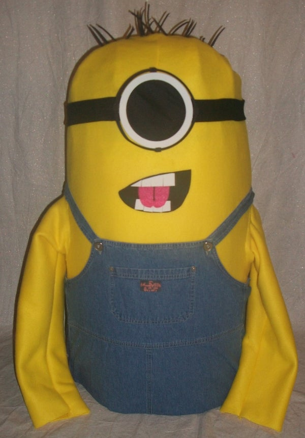 DIY Minion Halloween Mascot Costume