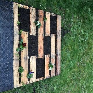 How to Make a Pallet Garden