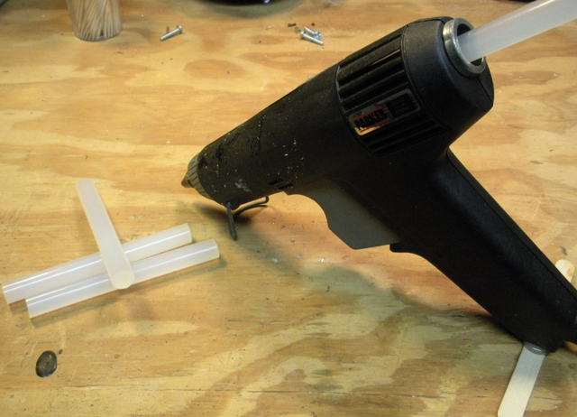 Easily Remove Dried Hot Glue (aka Hot Melt)