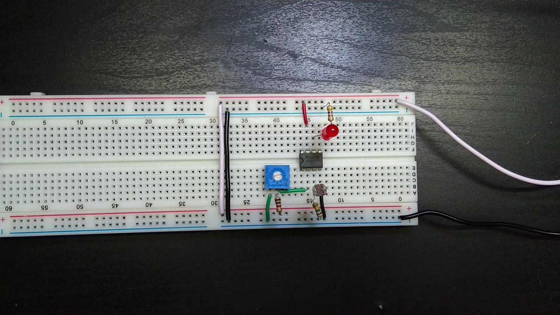 Darkness Sensor Using OpAmp