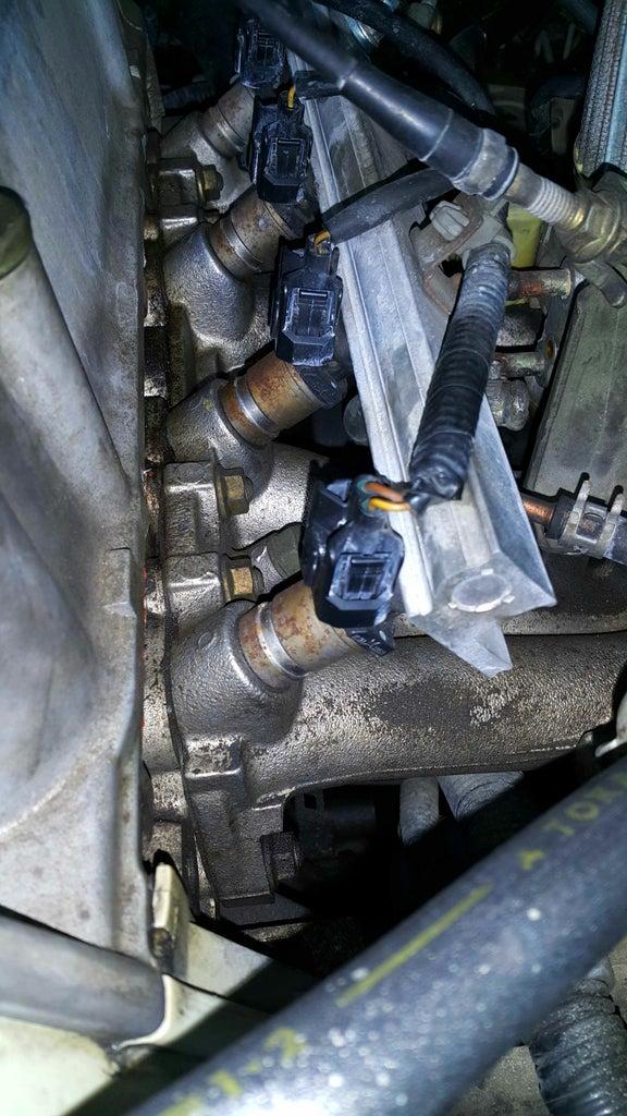 Replacing Fuel Injectors (Honda Civic 1999 D15B)