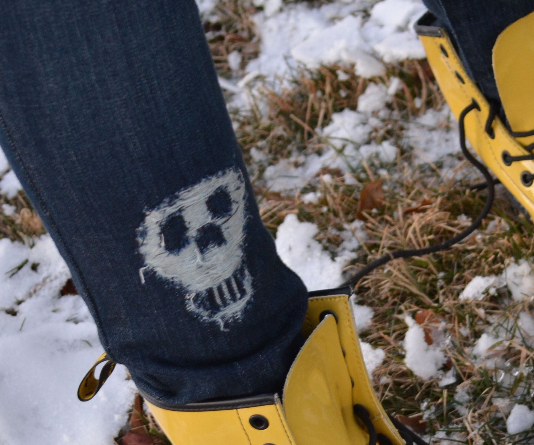 SHRED A SKULL INTO YOUR JEANS