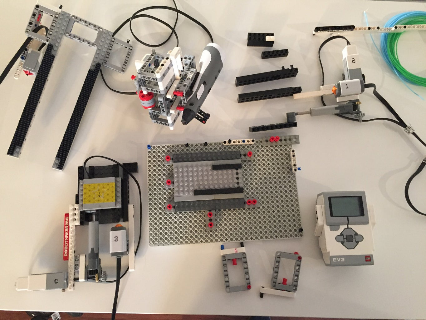 All the Main Parts of the EV3Dprinter