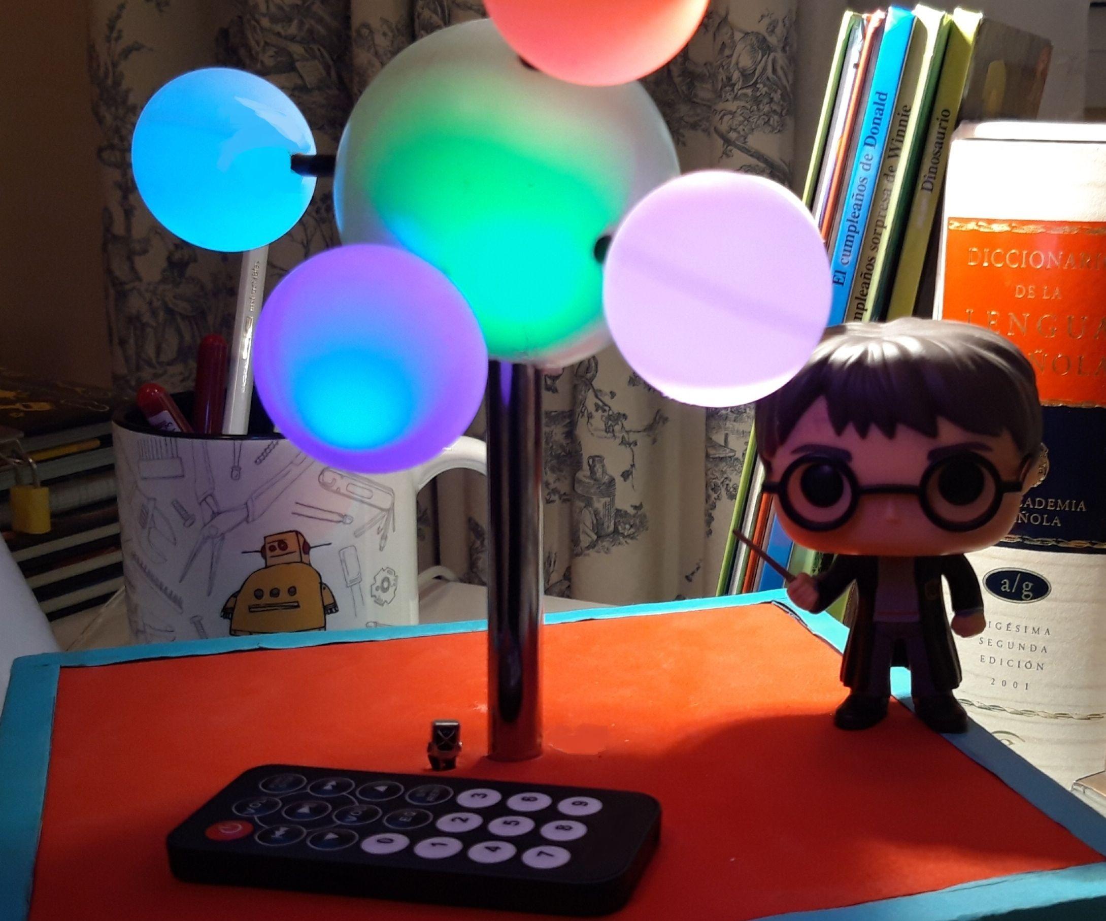 Molecular Shape Desktop Lamp