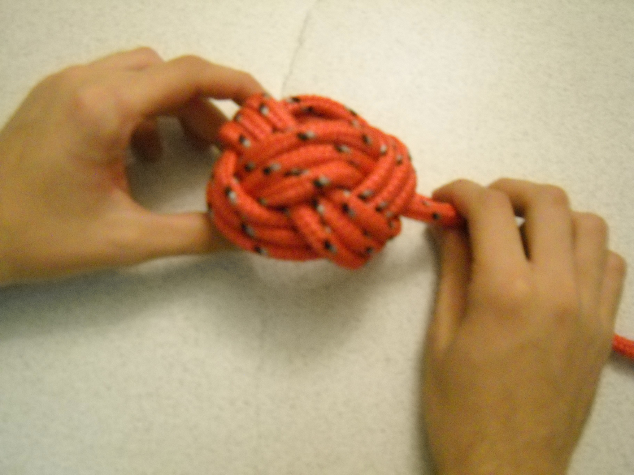 How to tie a Woggle or Turk's Head Knot