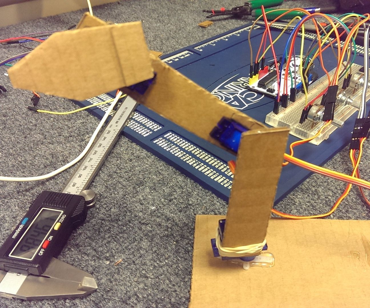 Simple Robotic Arm Out of Cardboard Pieces