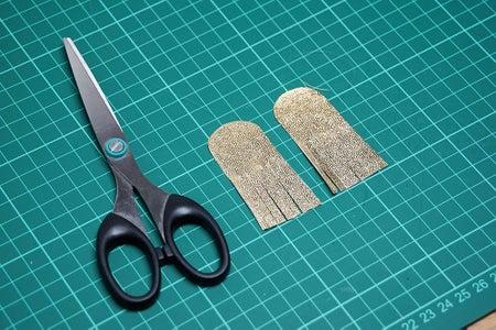 Fringed Earrings: Insert the Thread