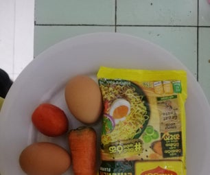 Instant Noodles With Eggs, Carrot & Tomato