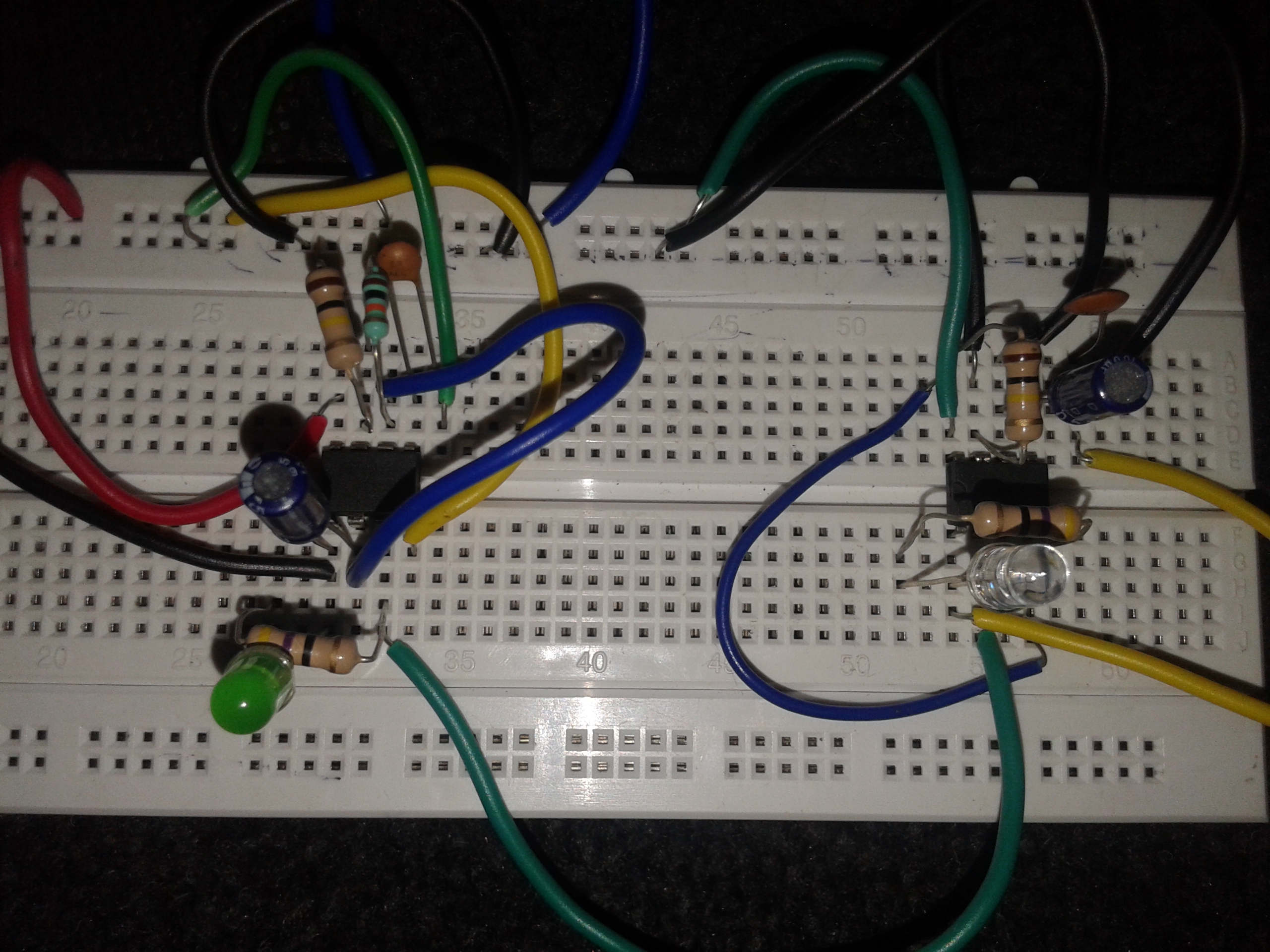 Monostable With Auto Triggering