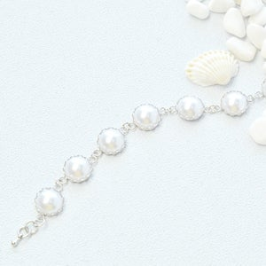 The Final Look of the Easy Pearl Cabochon Bracelet: