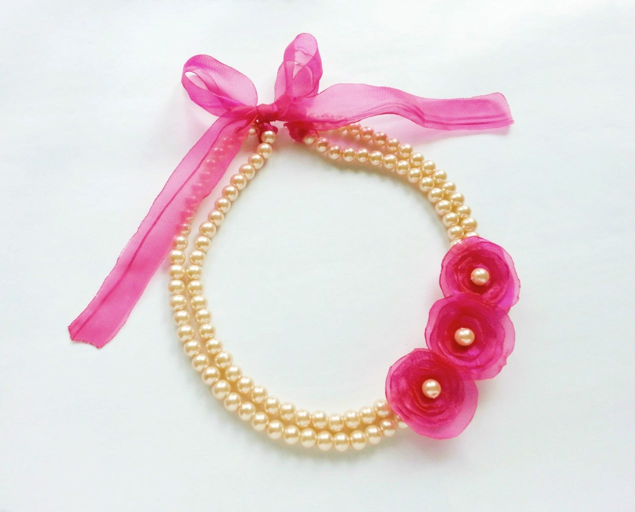DIY Flower and Pearl Necklace