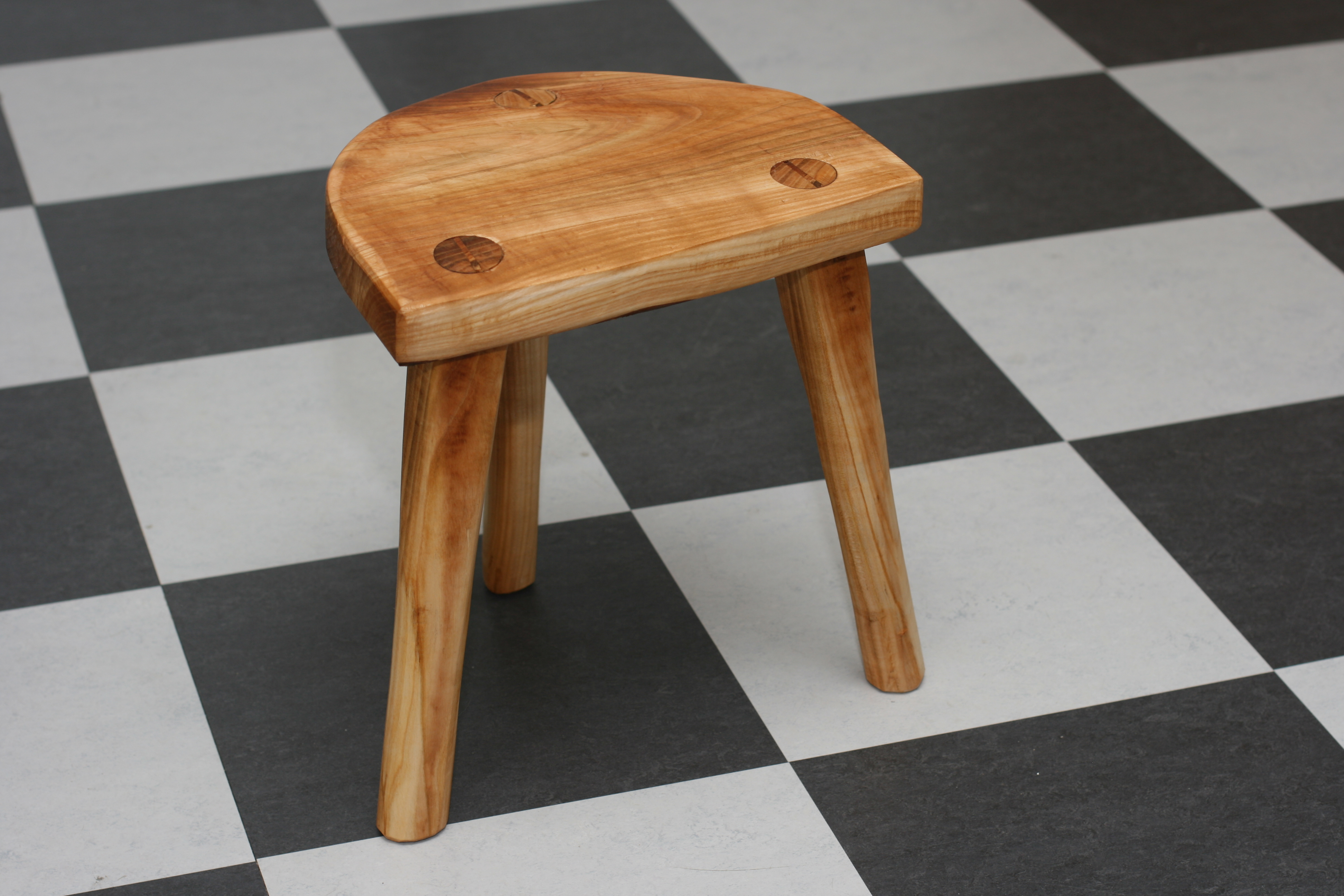 Make a real Viking Stool