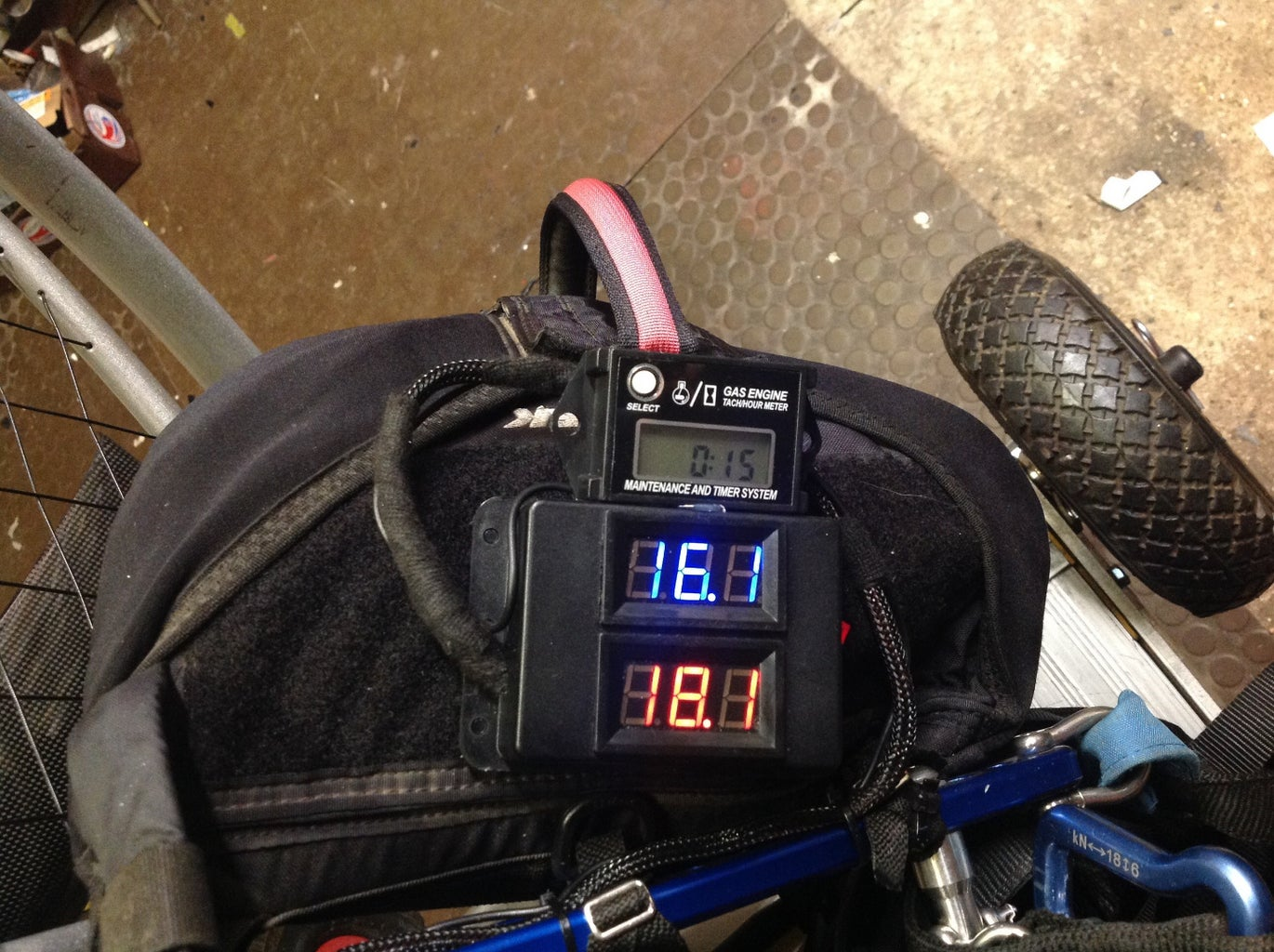 Simple CHT/EGT Readout for Paramotor
